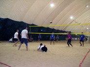 Команда Марвел играет в волейбол