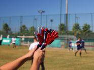 Пластмассовые ладожки болельщиков футбола