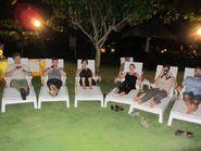 Вечерний групповой отдых на шезлонгах