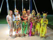 Группа в национальных одеждах острова Бали
